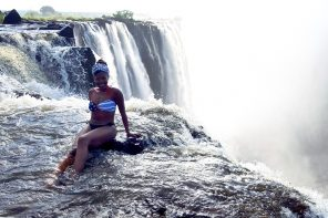 Here's what it's like to swim on the edge of Victoria Falls